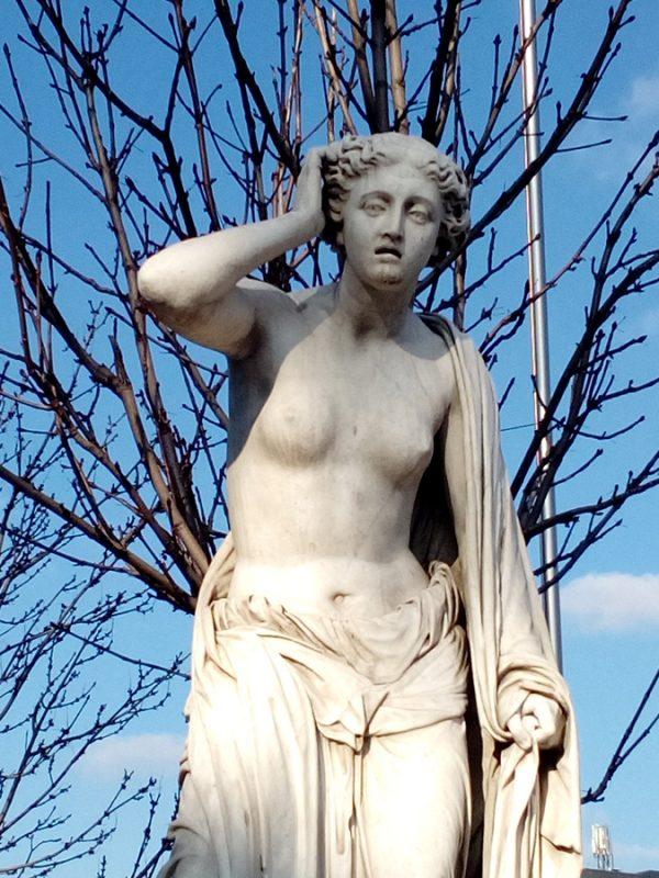 Fotografía estatua de Madrid, 18x13cm con marco blanco