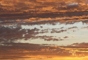 Fotografia de nubes arriba y abajo